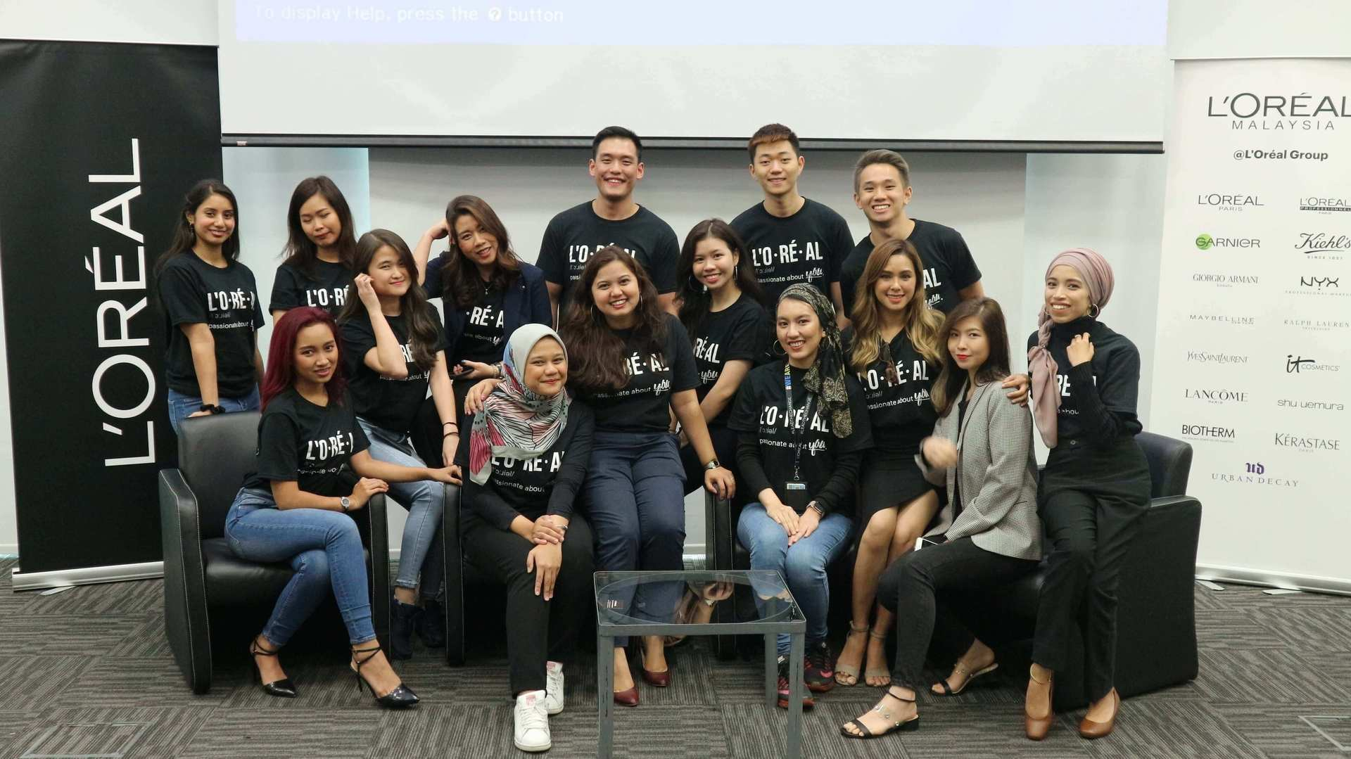 Our Management Trainees in action for the Unleashed @ L'Oréal. An interactive event including students and young professionals with our Country Manager Malek, HR director Atul and GM for CPD Sook Ping.